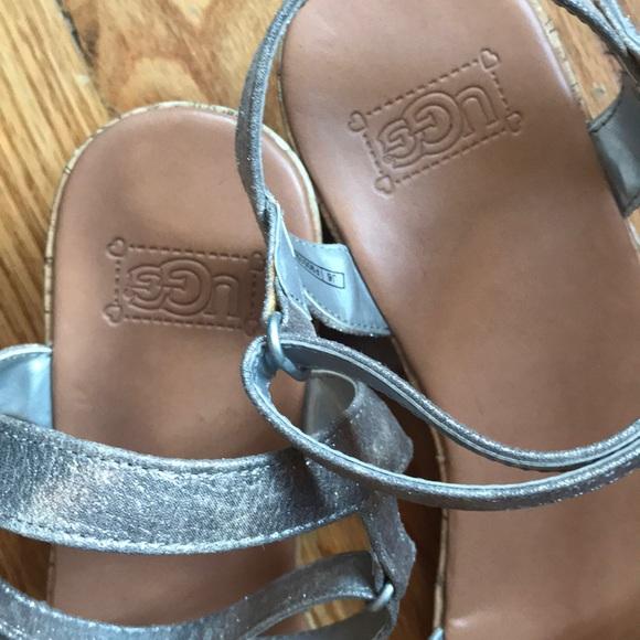 44db224a315 UGG Big Girl's I Heart Joblyn Crackle Sandals